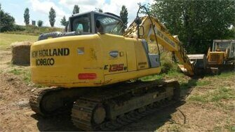 Ходовая часть экскаватора New Holland E135